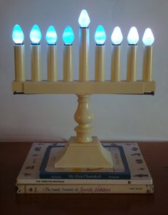 Vintage Electric Menorah With 2 Sets Of Bulbs Hanukkah Holiday Decor