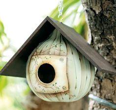 DIY Tutorial DIY Arts & Crafts / DIY How to make a gourd birdhouse - beautiful design and paint technique - Bead&Cord Potager Bio, Gourds Birdhouse, Birdhouse Designs, Birdhouse Ideas, Bird House Kits, Bird Aviary, Bird Houses Diy, Painted Gourds, Bird Boxes