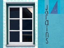 JANELA NOS JARDINS