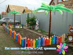 Preschool Playground, Preschool Decor, Backyard Playground, Backyard For Kids, Garden Crafts, Garden Projects, Potager Palettes, Fancy Fence, Kindergarten Design