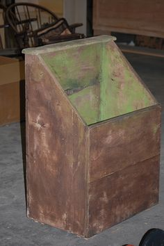 New Primitiques' Wood Bin... sooooo essential for any primitive home! new, fun spring green color.