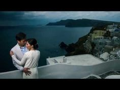 As a portrait and wedding photographer in Greece I always try to have a personal touch in every photoshoot like this one in Oia / Santorini for a Chinese cou.