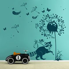 Wandtattoo Waschbär mit Vögelchen Pusteblume Schmetterlingen Federn und Punkten M1921