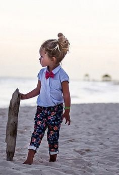 NK: Madewell prep meets Gidget. DN: Surfer girl highlights that give Tracey Cunninghama run for her money. EC: I admire the borrowed-from-the-boys vibe that's happening above the...