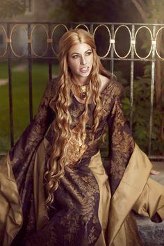 Arcana Imperia Cosplay als Cersei Lennister