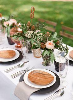 Organic inspired table: http://www.stylemepretty.com/2013/10/16/copper-inspired-wedding-shoot/   Photography: Benjamin Lowry - http://benlowryphoto.com/