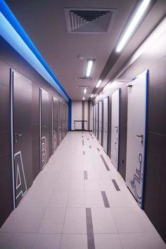 Prysznice w TRUCK ARENA GRÓJEC   Projektowanie wnętrz mieszkalnych, komercyjnych – Bizzonarch