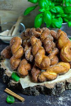 Pączki afrykańskie – Smaki na talerzu Pretzel Bites, New Recipes, Sweets, Bread, Baking, Cake, Food, Gummi Candy, Candy