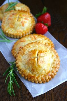 Make a batch of Ham & Havarti Hand Pies with Rosemary-Mustard Aioli to impress those you love! They're loaded with great ingredients! Try in a pie iron Savory Pastry, Savory Tart, Savoury Baking, Savoury Pies, Brunch, Mini Quiches, British Baking, Le Diner, Hand Pies