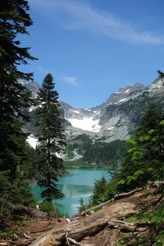 Blanca Lake Trail If you enjoy looking at beautiful bodies of water, be sure to take a trip along this 7.5-mile path in Mount Baker Snoqualmie Forest to witness the vibrant blue lake!