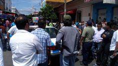 Se niegan a ser removidos taxistas de Juchitán.