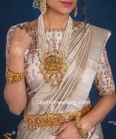 Embroidery blouse pearl 53 ideas for 2019 Pearl Necklace Designs, Pearl Jewelry, Bridal Jewelry, Gold Jewelry, Gold Necklaces, Dainty Jewelry, Beaded Jewelry, Silver Jewellery Indian, Indian Jewellery Design