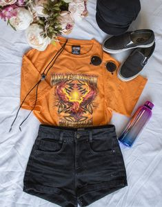 Loose Tribal Harley Davidson T-Shirt # stylechoice # Harley Davidson T Shirts, Only Fashion, Dress Codes, Ootd, Fashion Outfits, Clothes For Women, Tees, Inspiration, Spring