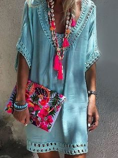 Boho clothes, jewelry and bags have rocked the fashion world. Boho has been immensely popular both with celebrities with masses alike. Let us look over on Boho Mode Hippie, Mode Boho, Ibiza Fashion, Look Fashion, Womens Fashion, Bohemian Fashion, Fashion Trends, Fashion Ideas, Fashion Clothes