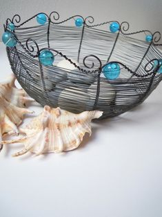 Pro Malou mořskou vílu Wire Board, Art Fil, Copper Wire Art, Wire Weaving, Wire Crafts, Beads And Wire, Art Projects, Metallica, Horn