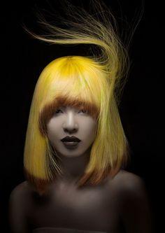 Cheveux : Taiwan Technicien | Photo : D.R. #echoscoiffure #cheveux #hair #coloration #yellow #coiffure #colors #jaune