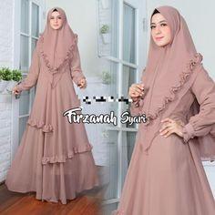Muslim Fashion, Hijab Fashion, Fashion Outfits, Latest African Fashion Dresses, African Print Fashion, Muslimah Clothing, Sleeves Designs For Dresses, Muslim Dress, Traditional Dresses