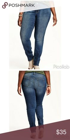 Plus Size Skinny Jean's Plus Size Skinny Jean's - Button Closure And Zip Fly. -Scoop Pockets And Coin Pocket In Front Patch. - Pockets In Back. -Moderate Stretch. Short Old Navy Jeans