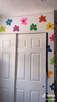 Indie Bedroom, Indie Room Decor, Cute Room Decor, Aesthetic Room Decor, Paper Room Decor, Hippie Bedrooms, Boho Decor, Room Design Bedroom, Room Ideas Bedroom