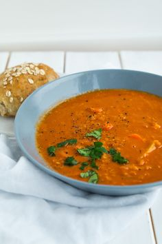 Jubii Webmail :: Vi tror, at du vil synes om disse pins Low Carb Recipes, Soup Recipes, Healthy Recipes, Healthy Food, Tasty Dishes, Fine Dining, Food Inspiration, Pho, Food And Drink