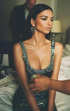 Beautiful Emily Ratajkowski Style Ideas For Women Look More Beautiful Best Pictures) Marie Claire, Emrata Instagram, Modelo Emily, Emily Ratajkowski Style, Hommes Sexy, A Boutique, Looking For Women, Supermodels, Beautiful People