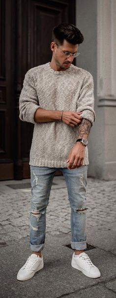 Ideas For Moda Hombre Casual Fashion Pants Mens Fashion Sweaters, Sweater Fashion, Fashion Pants, Men Sweater, Mens Sweater Outfits, Fashion Dresses, Fashion Clothes, Pullover Outfit, Pullover Mode