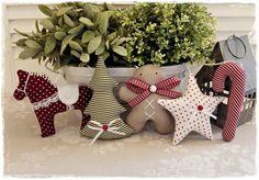 *Super-süße Weihnachts-Girlande* Niedliche Sternchen-Lebkuchen-Dalapferd-Tannenbäumchen-Zuckerstangen-Girlande im Shabby/Landhaus-Stil. **Farbe:** dunkelrot-grün-taupe-weiß **Maße:** Die...