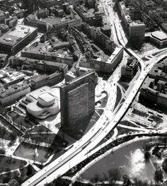 Dreischeibenhaus / HPP Architects | ArchDaily