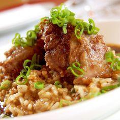 Emeril's Delmonico Crispy Pork Cheeks with Creole Dirty Rice Scd Recipes, Pork Recipes, Savoury Recipes, Family Recipes, Yummy Recipes, Pork Cheeks, Dirty Rice, Cajun Cooking