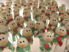 Snowmen Cakepops made by Stephanie in Nashville - too cute!