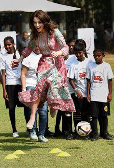Bollywood startar skola i ealing