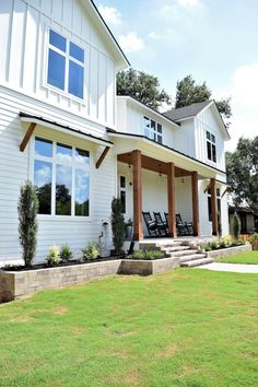 20 Popular White Farmhouse Design Ideas For The Best Home Exterior - Are you daydreaming of owning a luxurious home lavished with unique furnishings or perhaps your mind wanders to the charming little cottage nestled am. Farmhouse Exterior Colors, White Exterior Houses, Exterior House Colors, Modern Exterior, Exterior Design, Exterior Paint, Farmhouse Windows, Exterior Shades, Exterior Windows