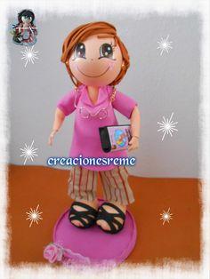 Muñequitas de goma eva Creacionesreme fofucha señora mayor ,cinta de video en miniatura #fofucha