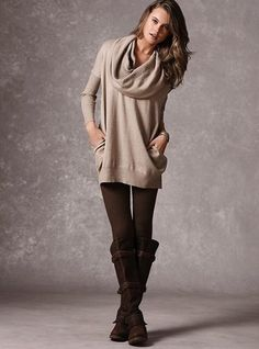 I love this look and the ribbed leggings!