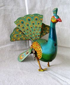 Vintage Toy Wind Up Tin Peacock by ProvenceArtAntiques Vintage Tins, Vintage Dolls, Vintage Antiques, Metal Toys, Tin Toys, Antique Decor, Antique Toys, Plywood Furniture, Toys In The Attic
