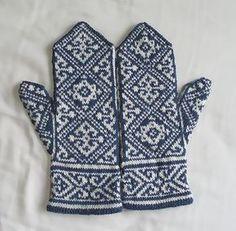 Ravelry: Egyptian Mittens pattern by Tuulia Salmela Knitting Charts, Knitting Socks, Knitting Stitches, Hand Knitting, Knitting Patterns, Crochet Mittens, Mittens Pattern, Knitted Gloves, Knit Crochet