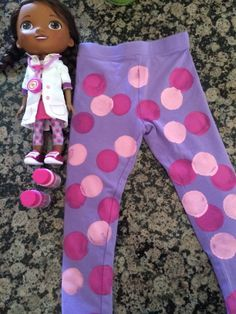 painted polka dot Doc leggings will be making for a'zairah birthday Doc Mcstuffins Costume, Doc Mcstuffins Birthday Party, Doc Mcstuffins Cake, Hallowen Costume, Family Halloween Costumes, Costume Ideas, Third Birthday, 4th Birthday Parties, Frozen Birthday
