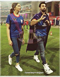 Bollywood Images, Bollywood Actors, Bollywood Celebrities, Ranbir Kapoor Deepika Padukone, Deepika Padukone Style, Handsome Actors, Saree Dress, Men Style Tips, Girls Dpz