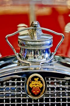 ..._1929 Packard 8 Hood Ornament...