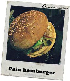 Un pain à hamburger délicieux, trés moelleux. Je peux vous grantir que vous garderez la recette ! Pour 2 hamburgers géants ou 4 normaux : > 40g eau > 60g lait > 270g farine > 10g levure fraîche > 1 oeuf > 1/2 cuillère à café de sel > 1/2 cuillère à café...