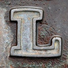 Letters! To make a cool sign using photos of different letters! Hundreds of each letter of the alphabet! Very cool! letter L by Leo Reynolds, via Flickr