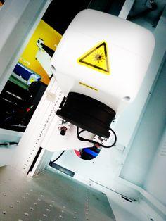 Nueva máquina láser de fibra para marcar #laser #fibra #marcadolaser #perezcamps