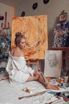 Always on the floor scale accounted Artist Life, Artist At Work, Painter Photography, Photo Grid, Artist Aesthetic, Art Hoe, Insta Photo Ideas, Art Studios, Art Inspo
