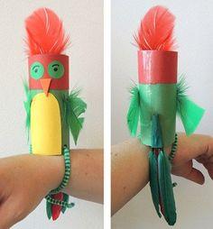 Papagei aus einer Toilettenpapierrolle