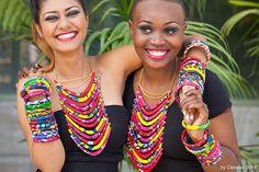 CEEWAX est une marque de bijoux en wax (colliers et bracelets) créée fin 2013 par Charlie Cee. Charlie Cee propose également des bracelets pour les assortir aux colliers et parfaire l'originalité de la femme qui portera ces bijoux. Les bijoux Ceewax ont p