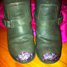 Quick fix for the scuffed toes of my daughters boots. Mix glitter & glue, paint on. Let dry, reapply. Might not last forever, but will stretch the life of the boots a little bit.