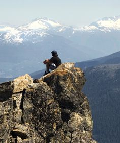 Stunning views of the valley between Whistler and Blackcomb Mountains in #Canada