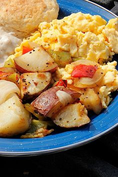 Breakfast Delivery by Ree Drummond / The Pioneer Woman, recipe for breakfast potatoes sort of a Harvest scramble/Roasted http://thepioneerwoman.com/cooking/2013/08/best-breakfast-potatoes-ever/