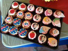 Snow White and 7 Dwarfs Cupcakes, Snow White Cupcakes, snow white party, snow white themed cupcakes, banana cupcakes w/ honey cinammon buttercream, chocolate cupcakes w/ mixed berry buttercream