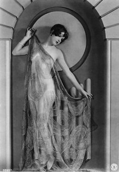 Era Silent Film Actress Sally Phipps-Black and White-Multiple Sizes- Sultry Bombshell Sexy Hollywood Classic Silent Film Stars, Movie Stars, Vintage Glamour, Vintage Beauty, 1920s Glamour, L Amant Film, Vintage Hollywood, Classic Hollywood, Deco Cinema